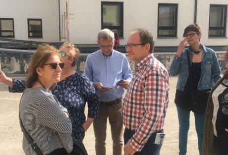 La Ejecutiva Local del PSOE conoce las demandas de los vecinos de Las Quinientas ante las carencias del barrio