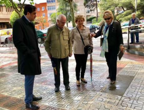 Mariscal informa a los vecinos de Casablanca de las actuaciones previstas para el Barrio