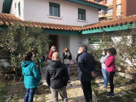 El Centro de Día puesto en marcha por la Mesa de Reconstrucción ha atendido ya a 25 personas sin hogar