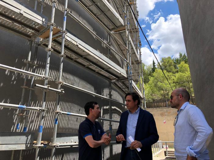 Mariscal comprueba las obras que por importe de 300.000 euros se están realizando en los principales depósitos de la ciudad