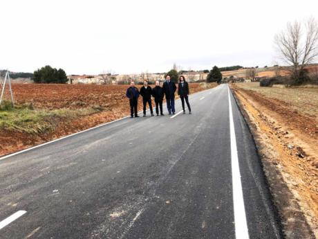 Concluyen las obras de mejora del firme de la carretera de acceso de Jábaga