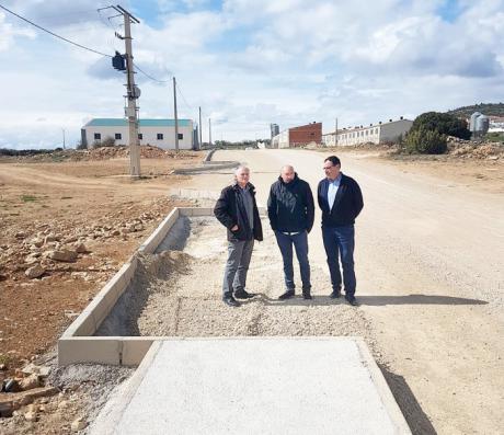 Prieto comprueba la finalización de las obras de la primera fase del polígono industrial de Graja de Campalbo