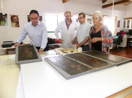 Diputación está acometiendo la restauración de los doce lienzos del Retablo Mayor de la Asunción de Gascueña