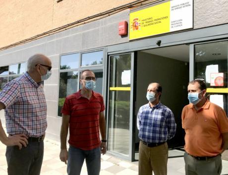 El subdelegado del Gobierno en Cuenca visita la oficina del SEPE para agradecer el trabajo realizado con motivo del covid-19