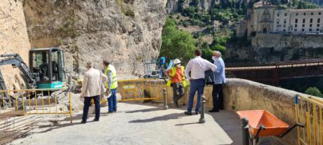 El Colegio de Ingenieros de Caminos se interesa por el desarrollo de las obras de la calle Canónigos