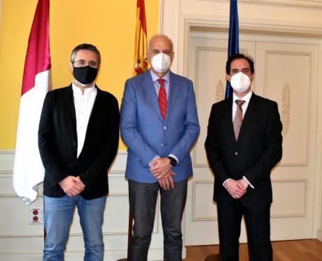 El subdelegado del Gobierno en Cuenca recibe al nuevo vicerrector del campus conquense de la UCLM