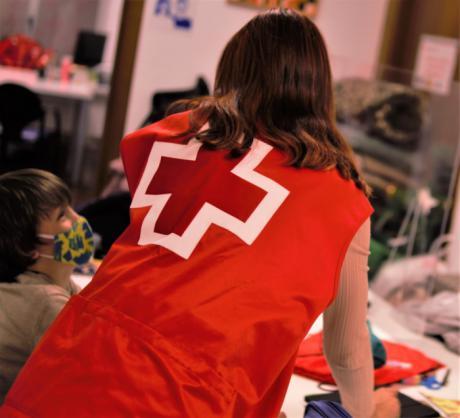 Cruz Roja insta a la sociedad a hacer voluntariado a través de una innovadora serie de televisión