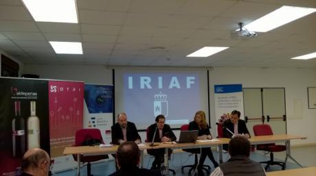 La UCLM informa a la DO La Mancha y Valdepeñas de su oferta científico-tecnológica en materia vitivinícola