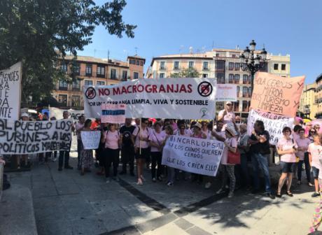 Los pueblos de la Serranía de Cuenca protestan por la instalación de macrogranjas en la zona