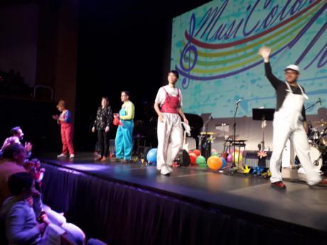 Musicolorearte cumplió sus expectativas en una tarde solidaria en el Auditorio