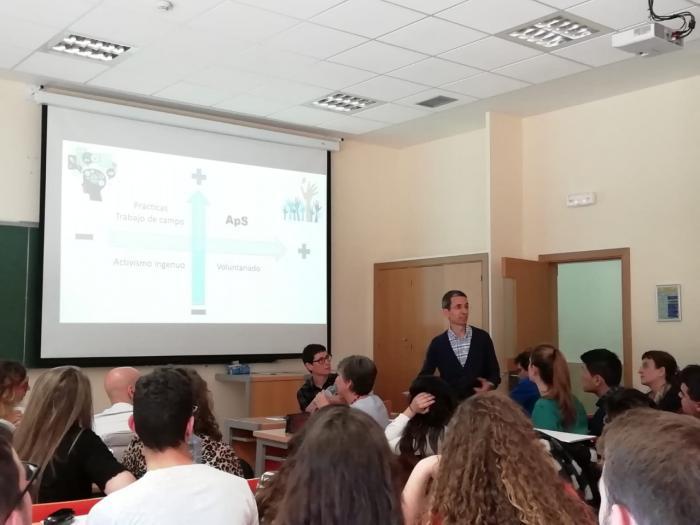La Facultad de Educación acogió el primer congreso de de estudiantes de Aprendizaje-Servicio