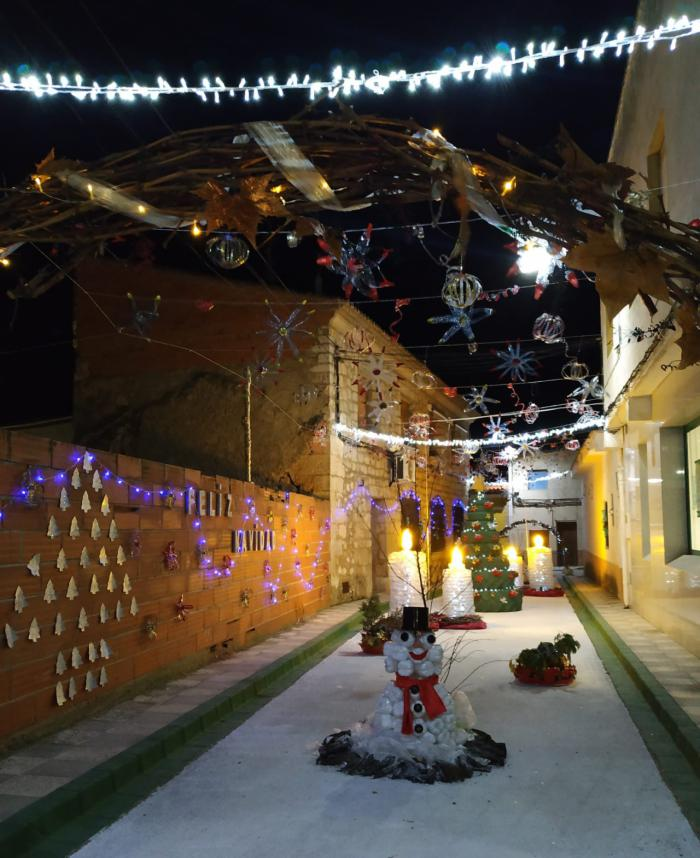 El Herrumblar enciende la Navidad ante una multitud de vecinos y visitantes
