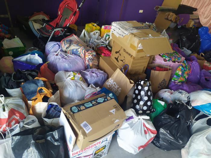 La Hermandad de Jesús Nazareno recoge más de 400 kg de comida y productos de primera necesidad para los Servicios Sociales