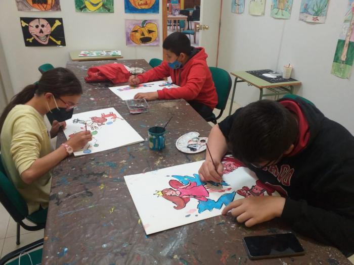 Almodóvar del Pinar mantiene su Escuela de Arte con un total de 20 alumnos y alumnas en colaboración con La Fenêtre