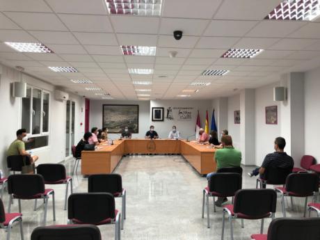 El pleno de Mota aprueba un reajuste de las tasas en servicios deportivos municipales