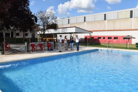 Se invertirán 84.000 euros para la renovación de la pista de pádel, la piscina y el polideportivo de Sotos
