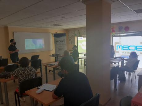 Los empresarios de La Manchuela muestran gran interés sobre el registro de jornada