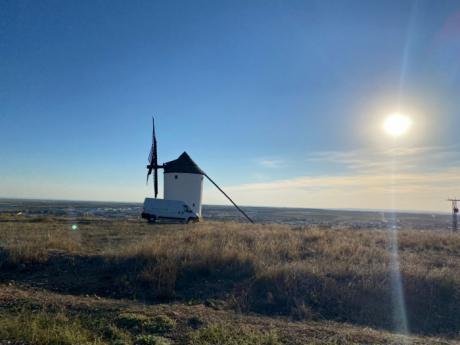 Inicio de la restauración de los molinos de viento de Mota
