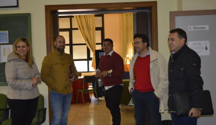 Instituciones educativas y asociación de empresarios se unen para buscar nueva oferta formativa en Mota del Cuervo