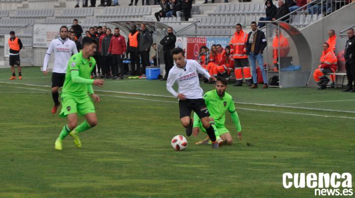 El Conquense defiende un 2-1 en su visita al Yeclano con los menos habituales