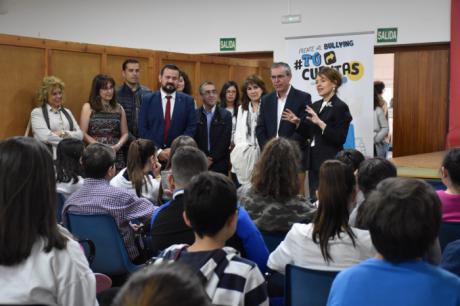 La Junta aboga por implicar a toda la sociedad en la lucha contra el acoso escolar