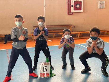 Alumnos del Ciudad Encantada celebran el día de la Educación Física