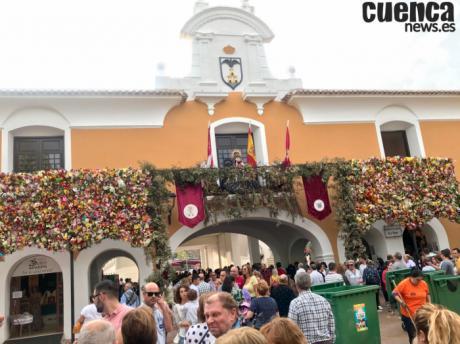 Unas 15.000 personas participan en Ofrenda Virgen de los Llanos en Albacete