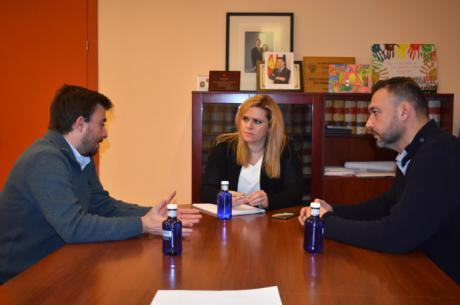 El Gobierno regional y el Ayuntamiento de Las Valeras mantienen una reunión de trabajo para abordar mejoras en infraestructuras y servicios públicos