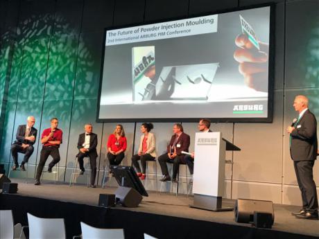 La UCLM participó en la conferencia mundial sobre el futuro del moldeo por inyección de polvo