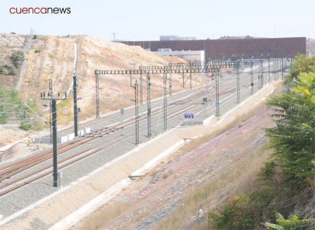 Adif invierte 1,3M€ en mejorar el talud de salida del túnel de La Atalaya
