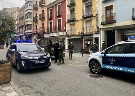 """La Policía Local ha detenido a una persona y denunciado a otras 11 personas por """"saltarse"""" el estado de alarma"""