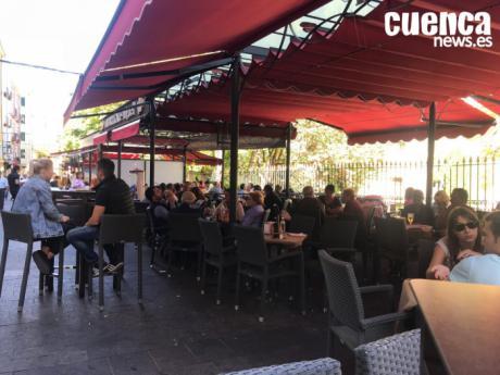 La Agrupación Provincial de Hostelería y Turismo de Cuenca recibe la autorización de la Junta y el Ayuntamiento para la ampliación de horario