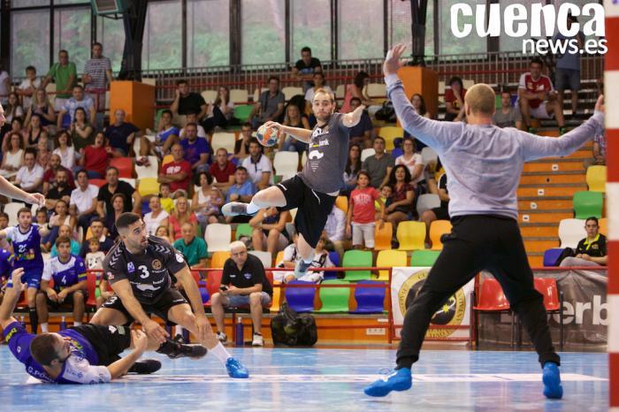 El Liberbank Cuenca logra un meritorio empate en Pamplona (20-20)