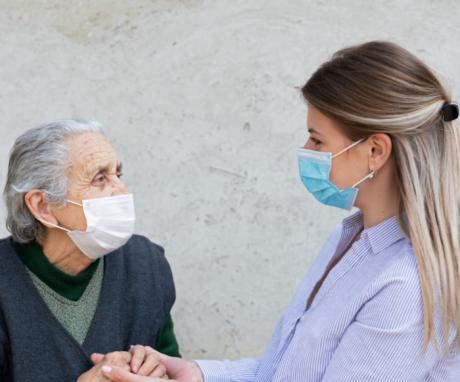 Bienestar Social facilita la atención a las personas mayores y en situación de dependencia en el entorno