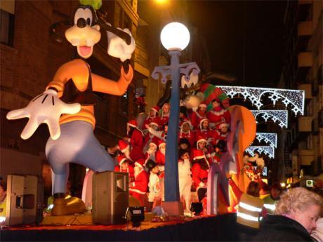 La Cabalgata de los Reyes Magos repartirá 2.000 kilos de caramelos a los niños conquenses