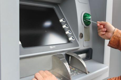 Tarancón alerta sobre la existencia de bandas que efectúan robos tras el uso de los cajeros automáticos