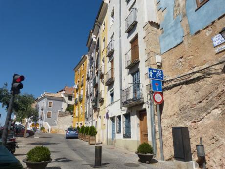 Corte temporal de la calle Mosén Diego de Valera por obras en la muralla del alcázar