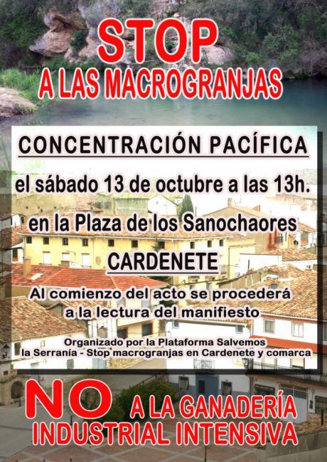 Concentración contra la ganadería industrial en Cardenete