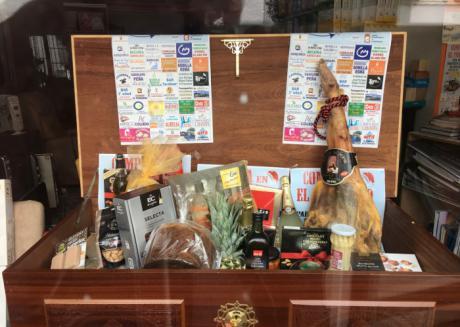 UNICO celebra su campaña de la gran cesta de navidad para estas fechas