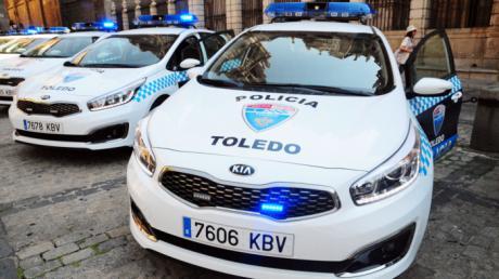 La Policía Local de Toledo denuncia a dos jóvenes a los que sorprendió pintando grafitis en la calle Reyes Católicos del Casco histórico