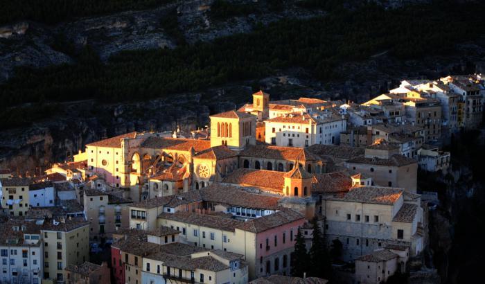 El COACM destaca la trayectoria de Daniel León al frente del Consorcio de la Ciudad de Cuenca