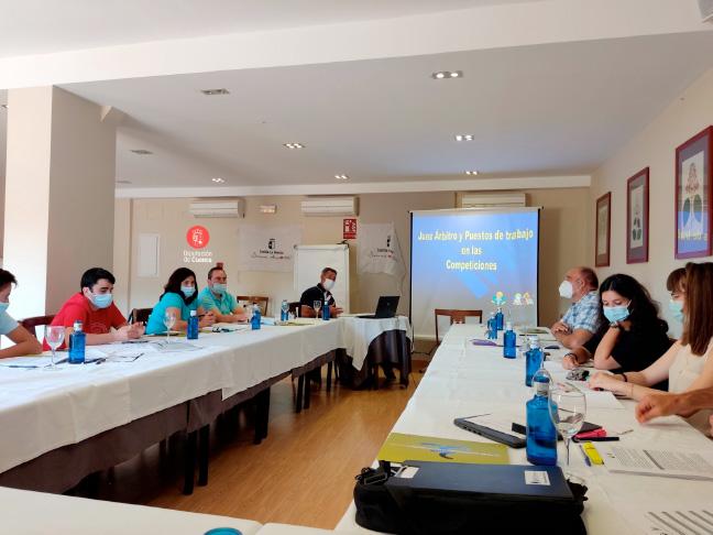 La Federación Castellana de Piragüismo realiza un curso de árbitros en Cuenca