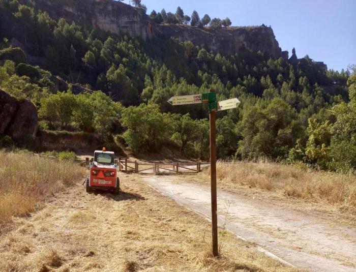Se limpia el camino de Las Grajas