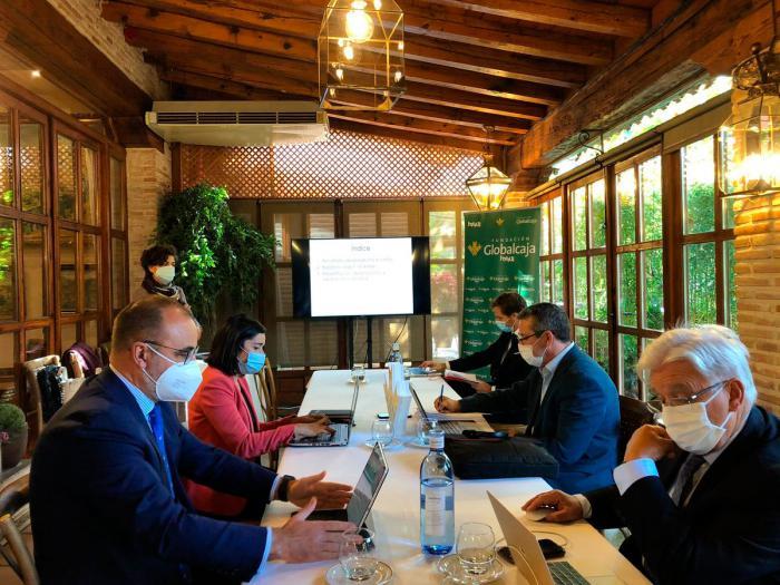 En la imagen, un momento de la reunión del comité de valoración