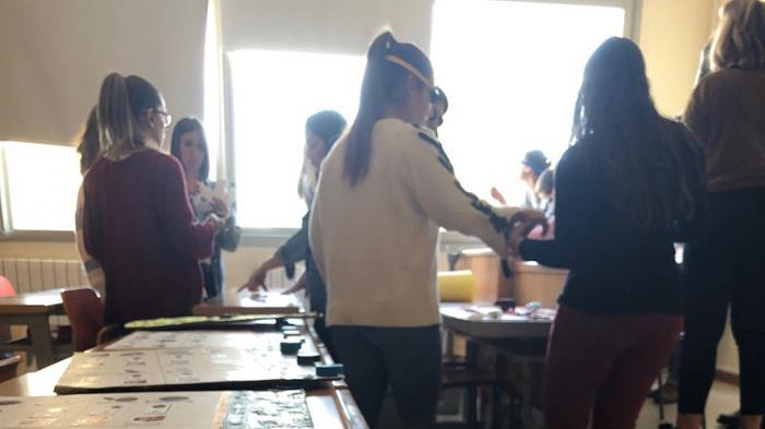 Alumnos de Educación analizan en una práctica académica la veracidad de las noticias relacionadas con el COVID-19