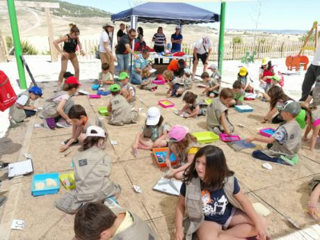 El programa Museos Ampáticos concluye con un taller de excavación en Los Palancares