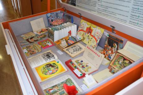 La Biblioteca del Campus acoge la exposición 'La magia de los libros pop-up'