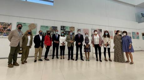 La UCLM y Parapléjicos inauguran la muestra 'Retrato de un año pasado: una mirada a la educación y el cuidado'