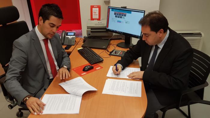 El Ayuntamiento de Huete firma la agrupación y refinanciación de 6 préstamos con ventajas para el consistorio