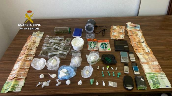 """La operación """"Capotes"""" se salda con 19 detenidos y el cierre de tres puntos de venta de droga"""